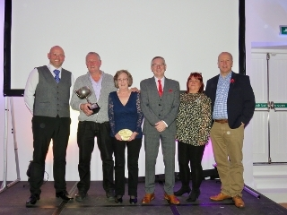 Seeds planted for gardens competition success Icon