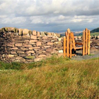 39 Witch Craig Wall and viewpoint near Beecraigs Country Park